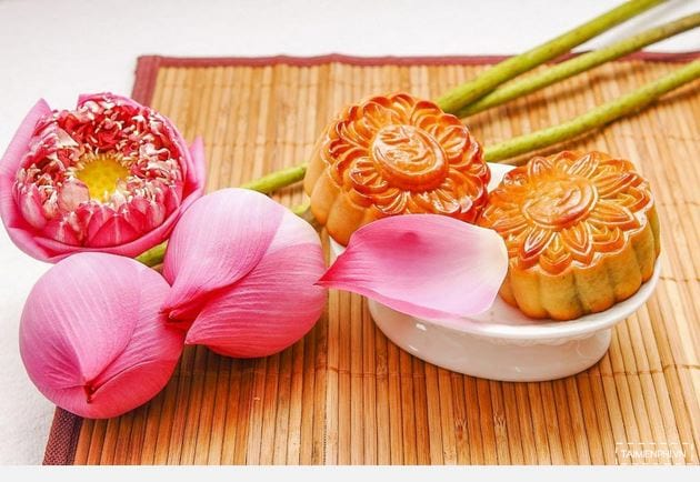 Powerpoint background image of professional mid-autumn festival